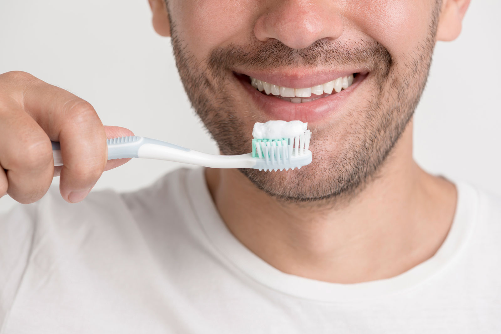 pulizia dei denti detartrasi