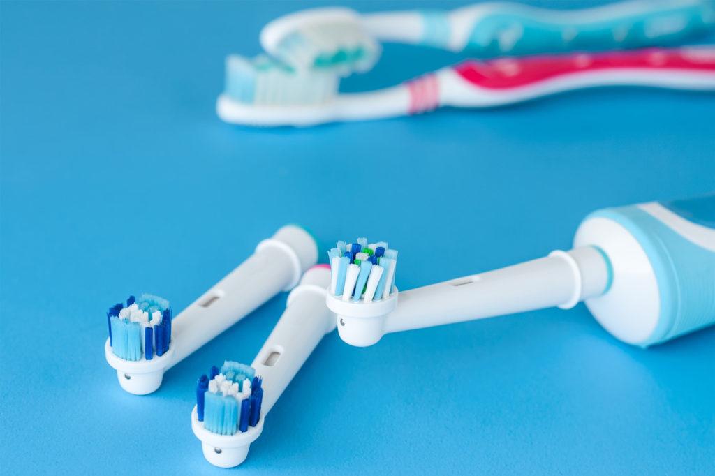 scegliere lo spazzolino elettrico o manuale