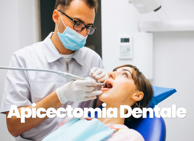 dentista pratica apicectomia dentale a una donna